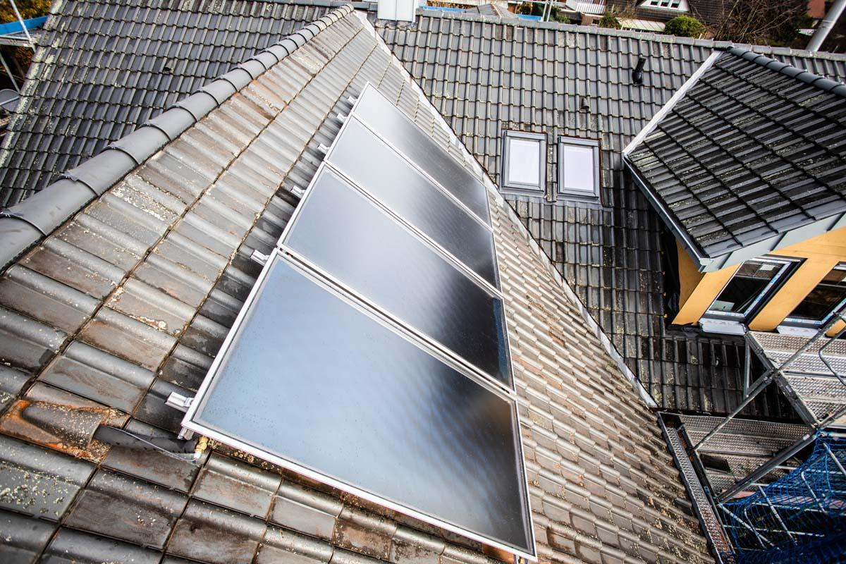 Pinke Montage Solaranlage